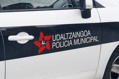 Logo de force de police de ville de Bilbao dans une de leurs voitures Image libre de droits