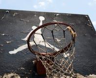 Logo de Jumpman par Nike sur le vieux panneau arrière de basket-ball Images libres de droits