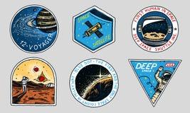 Logo de l'espace de vintage Exploration de la galaxie astronomique astronaute ou astronaute de mission aventure de cosmonaute pla illustration stock