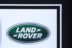 Logo de Land Rover sur un mur Image stock