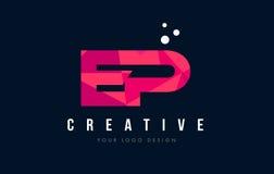 Logo de lettre de PE E P avec le bas poly concept rose pourpre de triangles Photo stock