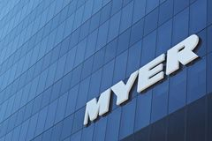 Logo de Myer sur le mur photographie stock