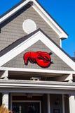 Logo de restaurant rouge de fruits de mer de homard sur l'extérieur Images libres de droits