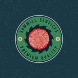 Logo de scierie rétro emblème dénommé de boisage Illustration de vecteur illustration stock
