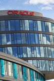Logo de société d'Oracle sur des sièges sociaux construisant le 18 juin 2016 à Prague, République Tchèque Photos libres de droits