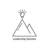 Logo de solution de direction avec l'ampoule lumineuse Image libre de droits