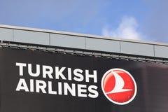 Logo de Turkish Airlines sur un mur Image stock