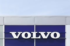 Logo de Volvo sur un mur image stock