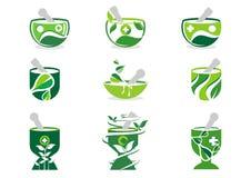 Logo del pestello e del mortaio, logos della farmacia, insieme di erbe dell'illustrazione della natura della medicina di progetta Fotografia Stock