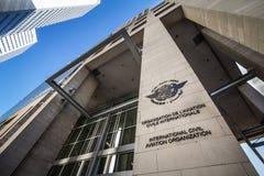 Logo dell'organizzazione internazionale di aviazione civile, sul loro ufficio di heaquarters fotografia stock