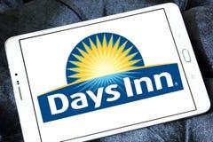 Logo della catena di hotel del Days Inn Immagini Stock Libere da Diritti