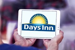 Logo della catena di hotel del Days Inn Fotografia Stock Libera da Diritti