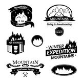 Logo della montagna ed insieme di etichetta Fotografie Stock Libere da Diritti