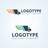Logo della società di consegna Traversa il logotype volando Automobile di consegna Fotografie Stock Libere da Diritti
