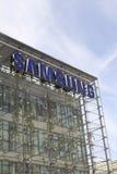 Logo della società di Samsung sulla costruzione delle sedi Fotografia Stock Libera da Diritti