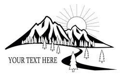 Logo delle montagne con la foresta ed il tramonto Fotografia Stock Libera da Diritti