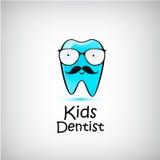Logo dentaire pédiatrique Illustration de vecteur Caractère drôle de dent Photos stock