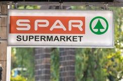 Logo der Supermarkt SPAR ist eine internationale Einzelhandelskette und ein Vorrecht Funchal, Madeira, Portugal stockbilder