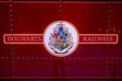 Logo des chemins de fer de Hogwarts sur le train Images libres de droits