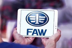Logo des véhicules à moteur de société de FAW Photographie stock libre de droits