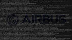 Logo di Airbus fatto del codice sorgente sullo schermo di computer Animazione loopable editoriale video d archivio