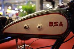 Logo di BSA su un serbatoio di combustibile del motociclo Fotografia Stock Libera da Diritti