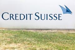 Logo di Credit Suisse su una parete Fotografia Stock Libera da Diritti