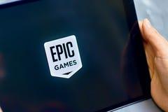 Logo di Epic Games su ipad fotografie stock