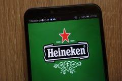 Logo di Heineken visualizzato su uno smartphone moderno fotografia stock libera da diritti