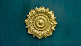 Logo di Lotus del classico tailandese di stile del fiore illustrazione vettoriale