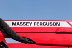 Logo di Massey Ferguson su un trattore Immagine Stock