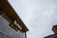 Logo di SAQ sul loro negozio principale per il centro di Montreal Inoltre conosciuto come DES Alcools il du Quebec, di Societe ve immagine stock libera da diritti