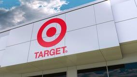 Logo di Target Corporation sulla facciata moderna della costruzione Rappresentazione editoriale 3D illustrazione di stock