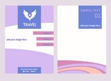 Logo di vettore per il viaggio turistico Il colore traversa il cielo volando Aletta di filatoio con l'ha Fotografie Stock