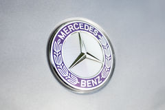 Logo e distintivo del benz di Mercedes Immagine Stock Libera da Diritti