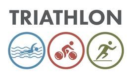 Logo et icône de triathlon Nageant, faisant un cycle, symboles fonctionnants Photos libres de droits