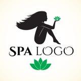 Logo för brunnsort eller skönhetsalong med kvinnan Arkivfoton