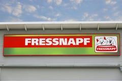 Logo för handel Fressnapf för djur matning arkivfoton