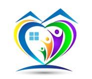 Logo för hus för familjförälskelse facklig hjärta formad home/ Arkivbilder