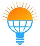 logo för ljus kula för sol för sol- energi Arkivbild