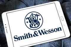 Logo för smed- & Wesson skjutvapenföretag arkivbilder