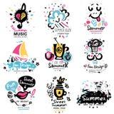 Logo för sommarsemester Hand drog beståndsdelar för sommarlogo stock illustrationer