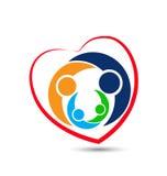 Logo för symbol för form för familjförälskelsehjärta Royaltyfri Foto