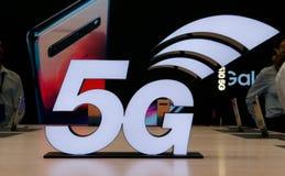 logo 5G på MWC19 i Barcelona royaltyfri foto