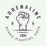 Logo misto d'annata, distintivo o emblema di arti marziali illustrazione vettoriale