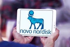 Logo Novo Nordisk för farmaceutiskt företag royaltyfri fotografi