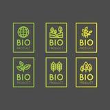 Logo Set Badge Fresh Organic, Bioprodukt, Biobestandteil-Aufkleber-Ausweis mit Blatt, Erde stock abbildung