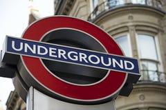 Logo souterrain à Londres Images stock