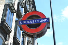 Logo souterrain à Londres Photos stock