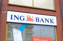Logo und Zeichen von ING haben im ING-Bankbüro in Gdansk ein Bankkonto Stockbild